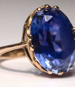 1280px-Sapphire_ring